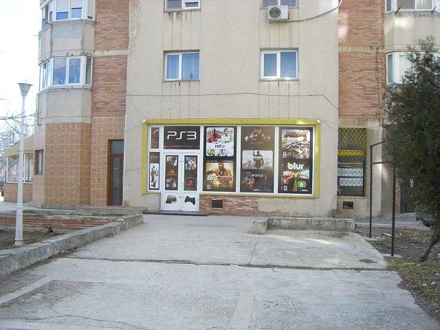 de vanzare spatiu comercial cu 4 incaperi, 2 grupuri sanitare, suprafata de 96 mp. In orasul Navodari. 85.000 euro negociabil.