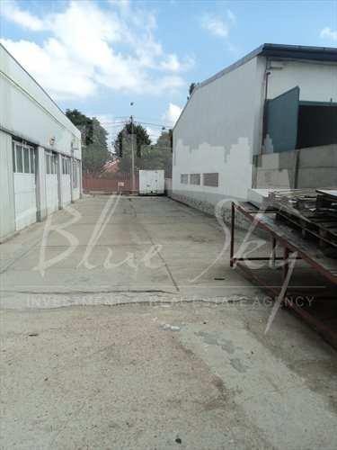 Spatiu industrial de vanzare direct de la agentie imobiliara, in Constanta, zona Km 5, cu 155.000 euro negociabil. 1 grup sanitar, suprafata utila 327 mp.