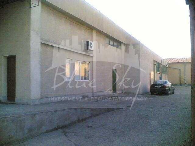 Inel 2  Constanta Spatiu industrial de vanzare, cu 1 grup sanitar, suprafata 900 mp. Pret: 520.000 euro negociabil.