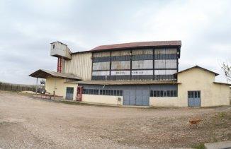 vanzare Spatiu industrial 1060 mp, 1 grup sanitar, comuna Agigea
