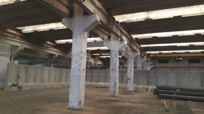 Spatiu industrial de inchiriat direct de la agentie imobiliara, in Constanta, cu 4.300 euro negociabil. 1 grup sanitar, suprafata utila 860 mp.