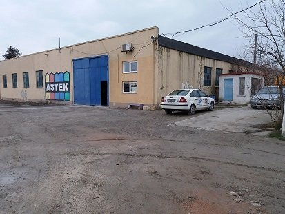 Exterior Sud  Ovidiu Spatiu industrial de inchiriat cu 1 incapere, cu 1 grup sanitar, suprafata 2100 mp. Pret: 4.200 euro negociabil. Amplasament: Constructie Independenta. Utilitati: Telefon, Internet, Curent electric 220V, Curent electric 380V, Apa. Ina