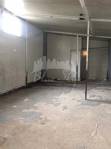 Spatiu industrial de inchiriat direct de la agentie imobiliara, in Constanta, zona Km 4, cu 600 euro negociabil. 1 grup sanitar, suprafata utila 200 mp.
