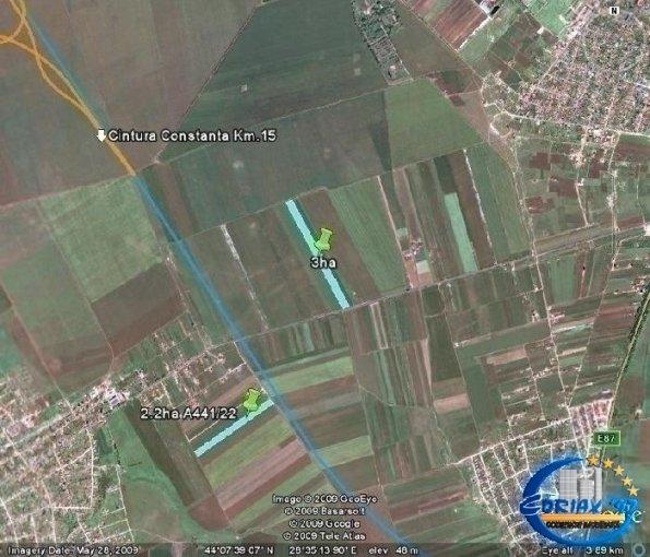 Teren extravilan de vanzare direct de la agentie imobiliara, in Cumpana, cu 10.000 euro negociabil. Suprafata de teren agricol 500 metri patrati cu deschidere de 17 metri.  Utilitati: Curent electric 220V.