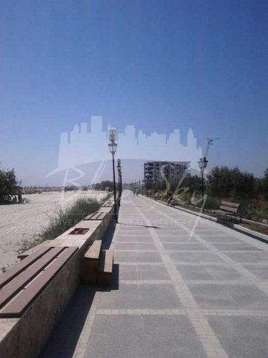 Teren intravilan de vanzare in Constanta. Suprafata terenului 1300 metri patrati, deschidere 3216 metri. Pret: 274.000 euro negociabil.