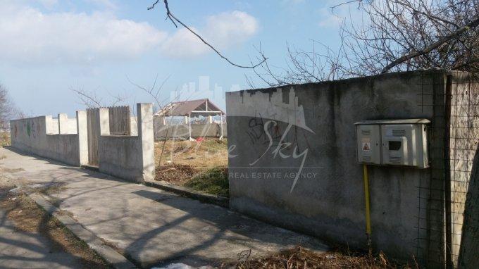 de vanzare teren intravilan cu suprafata de 460 mp si deschidere de 32 metri. In orasul Constanta, zona Km 4-5.