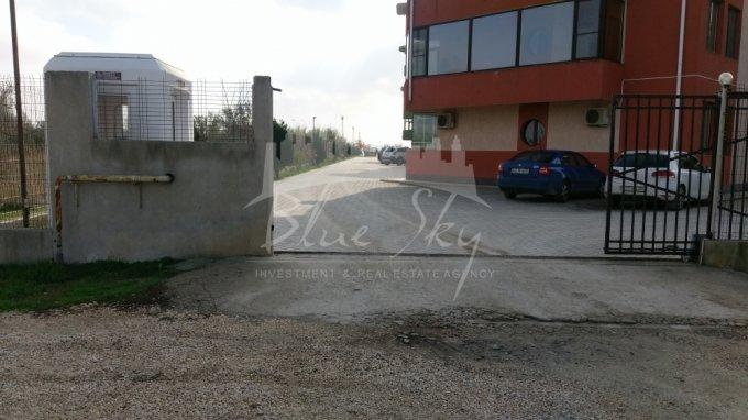 de vanzare teren intravilan cu suprafata de 400 mp si deschidere de 20 metri. In orasul Constanta, zona Sat Vacanta.