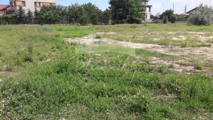 de vanzare teren intravilan cu suprafata de 412 mp si deschidere de 20 metri. In orasul Constanta, zona Kamsas.