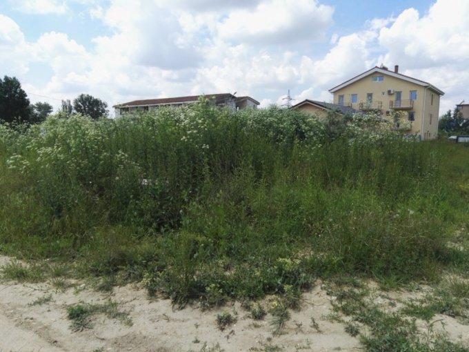 Teren intravilan de vanzare in Constanta, zona Mamaia Nord. Suprafata terenului 466 metri patrati, deschidere 17 metri. Pret: 75.000 euro.