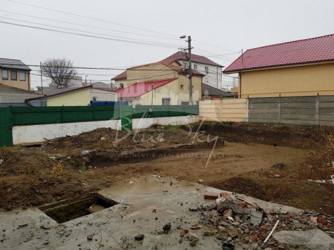 Teren intravilan de vanzare in Constanta, zona Coiciu. Suprafata terenului 300 metri patrati, deschidere 20 metri. Pret: 105.000 euro negociabil.