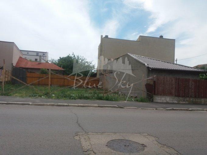 Teren intravilan de vanzare in Constanta, zona Km 4. Suprafata terenului 300 metri patrati, deschidere 300 metri. Pret: 79.950 euro negociabil.