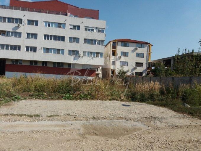 de vanzare teren intravilan cu suprafata de 450 mp si deschidere de 450 metri. In orasul Constanta, zona Primo.
