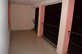 Vila de inchiriat cu 1 etaj si 3 camere, Lazu Constanta
