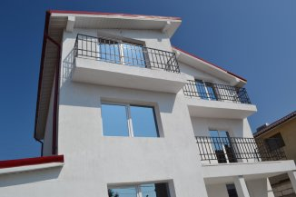 agentie imobiliara vand Vila cu 1 etaj, 7 camere, zona Nord, orasul Eforie Nord