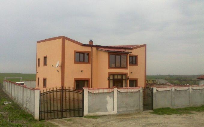 Vila cu 1 etaj, 5 camere, 1 grup sanitar, avand suprafata utila 240 mp. Pret: 51.000 euro negociabil. proprietar vanzare Vila.