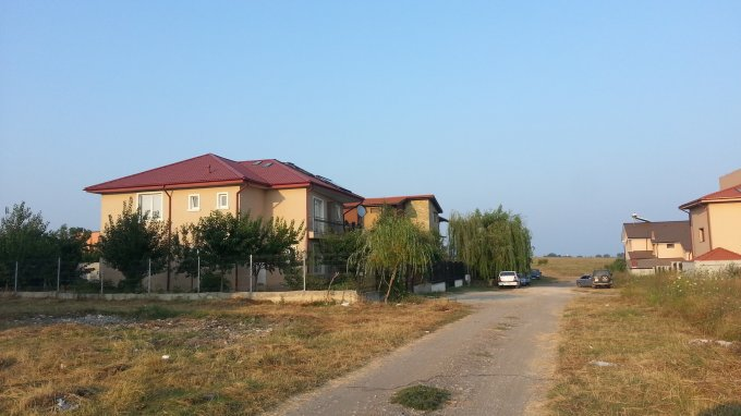 Vila cu 5 camere, 1 etaj, cu suprafata utila de 135 mp, 2 grupuri sanitare. 130.000 euro. Destinatie: Rezidenta. Vila Techirghiol  Constanta