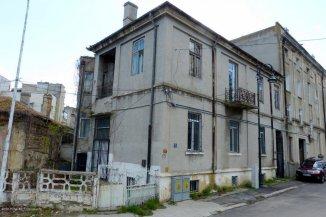 vanzare vila de la agentie imobiliara, cu 1 etaj, 6 camere, in zona Peninsula, orasul Constanta