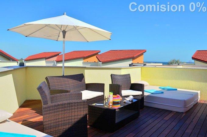 Mamaia Nord Constanta vila cu 3 camere, 1 etaj, 3 grupuri sanitare, cu suprafata utila de 115 mp, suprafata teren 180 mp si deschidere de 12 metri. In orasul Constanta, zona Mamaia Nord.