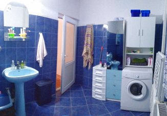 vanzare vila de la agentie imobiliara, cu 1 etaj, 6 camere, comuna Agigea