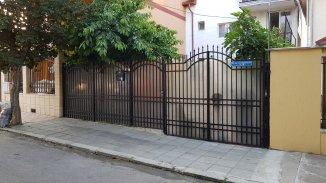 Vila de vanzare cu 1 etaj si 5 camere, in zona Piata Chiliei, Constanta