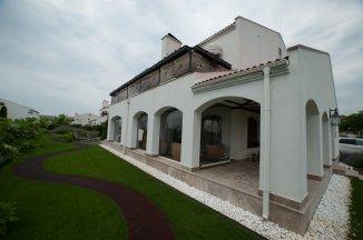 Constanta Mamaia Nord, zona Mamaia Nord, vila cu 5 camere de vanzare de la agentie imobiliara