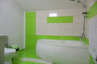 vanzare vila de la agentie imobiliara, cu 1 etaj, 8 camere, in zona Primarie, orasul Ovidiu