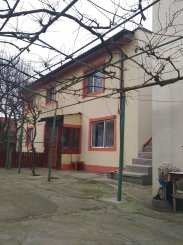 Vila de vanzare cu 1 etaj si 6 camere, Lumina Constanta
