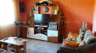 vanzare vila de la agentie imobiliara, cu 2 etaje, 6 camere, in zona Casa de Cultura, orasul Constanta