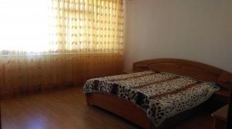 vanzare vila cu 3 etaje, 12 camere, zona Faleza Nord, orasul Constanta, suprafata utila 142 mp