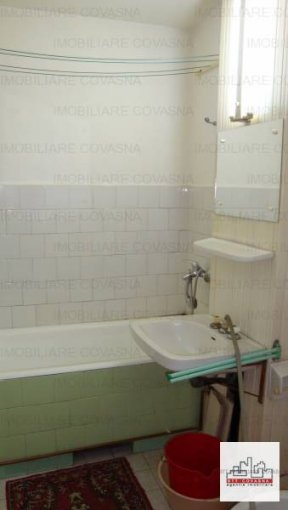 vanzare apartament cu 3 camere, decomandata, in zona Central, orasul Sfantu Gheorghe