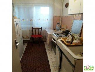 agentie imobiliara vand apartament semidecomandat, in zona Micro 6, orasul Targoviste