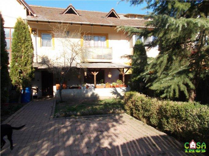 Apartament de vanzare in Targoviste cu 2 camere, cu 1 grup sanitar, suprafata utila 60 mp. Pret: 41.000 euro.