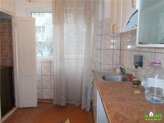 agentie imobiliara vand apartament semidecomandat, in zona Micro 4, orasul Targoviste