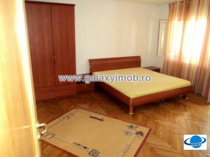 vanzare apartament cu 2 camere, decomandata, in zona Central, orasul Targoviste