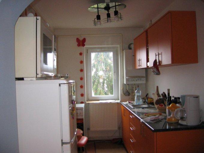 vanzare apartament decomandata, zona Central, orasul Pucioasa, suprafata utila 70 mp