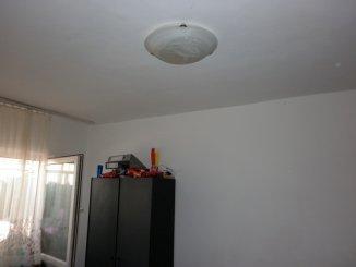 Apartament cu 3 camere de vanzare, confort 1, zona Micro 4,  Targoviste Dambovita