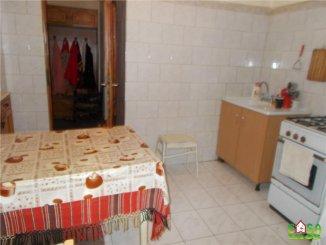 agentie imobiliara vand apartament decomandat, in zona Micro 12, orasul Targoviste