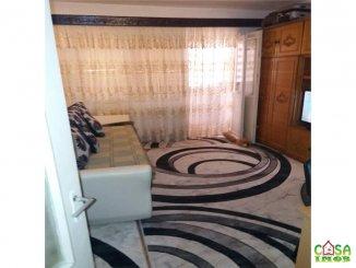 vanzare apartament cu 3 camere, decomandat, in zona Micro 8, orasul Targoviste