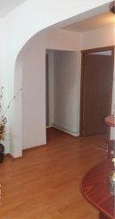 vanzare apartament cu 3 camere, decomandat, in zona Micro 12, orasul Targoviste