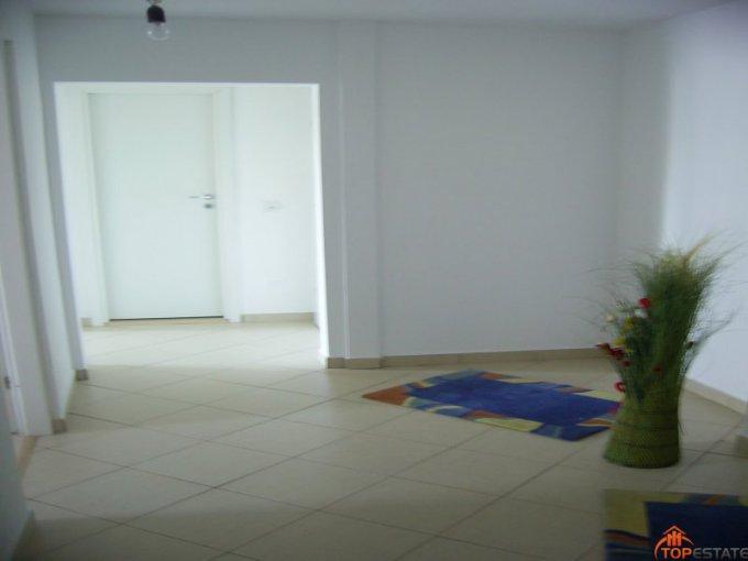 proprietar vand apartament decomandata, in zona Micro 6, orasul Targoviste