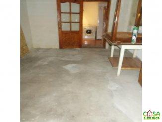 vanzare casa cu 2 camere, zona Centru, orasul Targoviste, suprafata utila 3775 mp