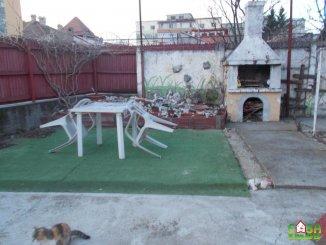 Dambovita Targoviste, zona Centru, casa cu 3 camere de vanzare de la agentie imobiliara