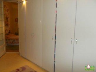 vanzare casa de la agentie imobiliara, cu 3 camere, in zona Centru, orasul Targoviste