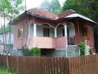 agentie imobiliara vand Casa cu 3 camere, comuna Bezdead