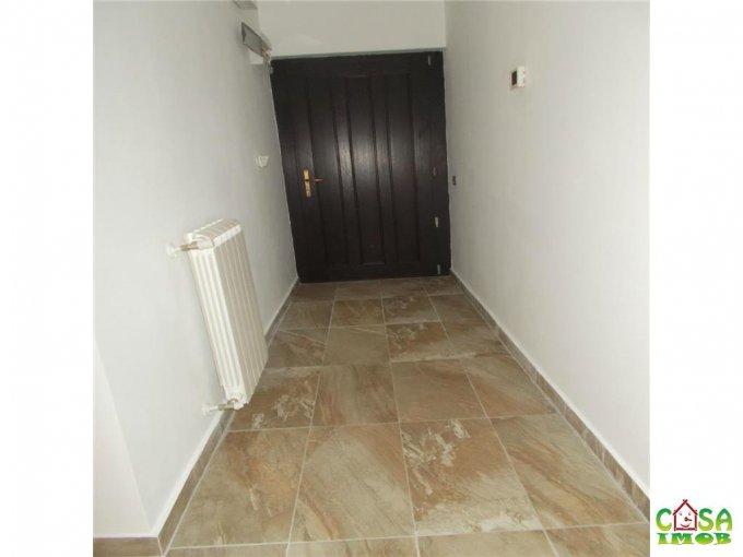 vanzare casa cu 4 camere, zona Exterior Nord, orasul Targoviste, suprafata utila 170 mp