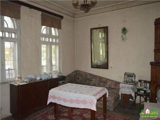 Dambovita Targoviste, casa cu 4 camere de vanzare de la agentie imobiliara