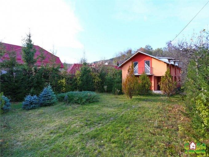 Casa de vanzare direct de la agentie imobiliara, in Pietrosita, cu 75.000 euro. 1 grup sanitar, suprafata utila 180 mp. Are  6 camere.