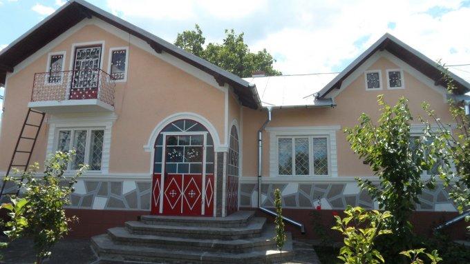vanzare Casa Lucieni cu 6 camere, 1 grup sanitar, avand suprafata utila 170 mp. Pret: 49.900 euro negociabil. agentie imobiliara vand Casa.