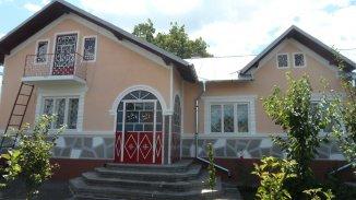 vanzare casa de la agentie imobiliara, cu 6 camere, comuna Lucieni