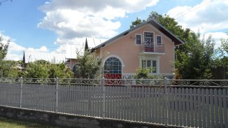 vanzare casa cu 6 camere, comuna Lucieni, suprafata utila 170 mp